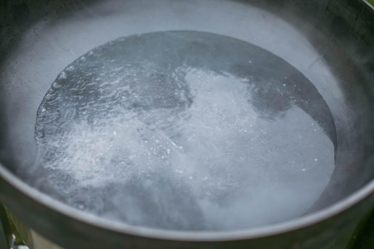 Crazy Kettle shrimp boil step1